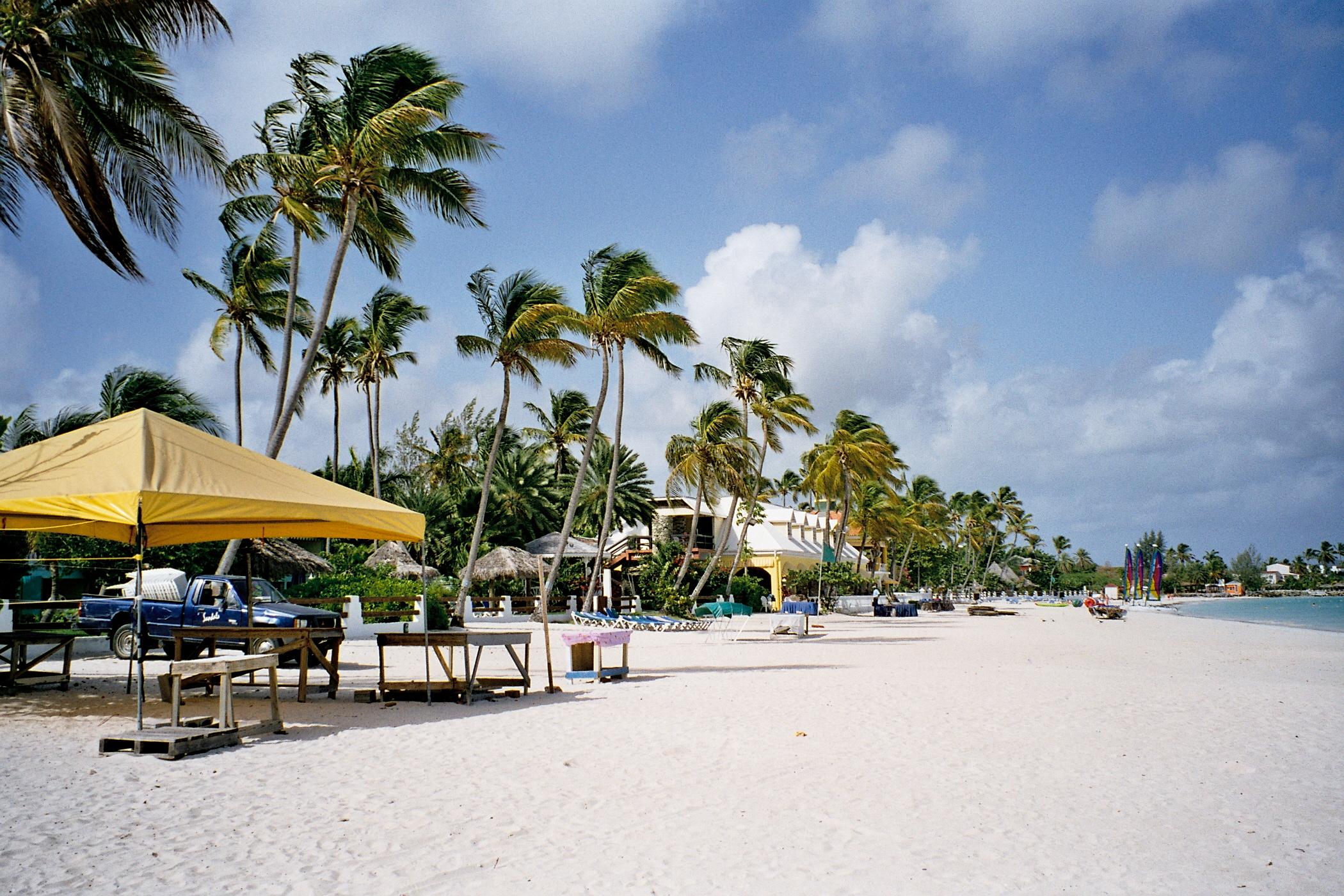 Ocean Lotus Island - Bãi Tắm