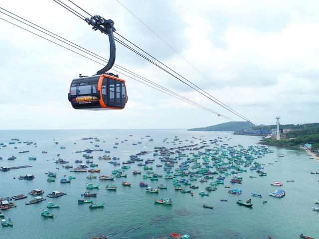 Cáp treo Hòn Thơm là một trải nghiệm hút khách ở Phú Quốc