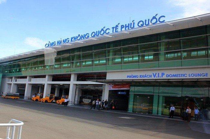 Bộ trưởng cho rằng, sân bay Phú Quốc cần thiết phải điều chỉnh lại quy hoạch để có thêm đường băng số 2 và nhà ga hành khách mới.