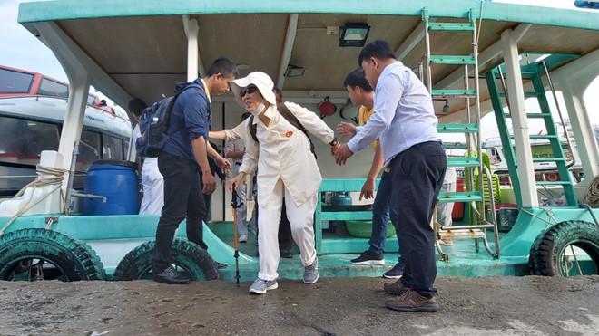 Những du khách đầu tiên từ tàu Pacific Venus lên đảo Phú Quốc
