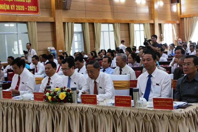 Ông Nguyễn Thanh Sơn - Phó Chủ nhiệm UBKT Trung ương cũng đến dự Đại hội (thứ 3 từ bên phải)
