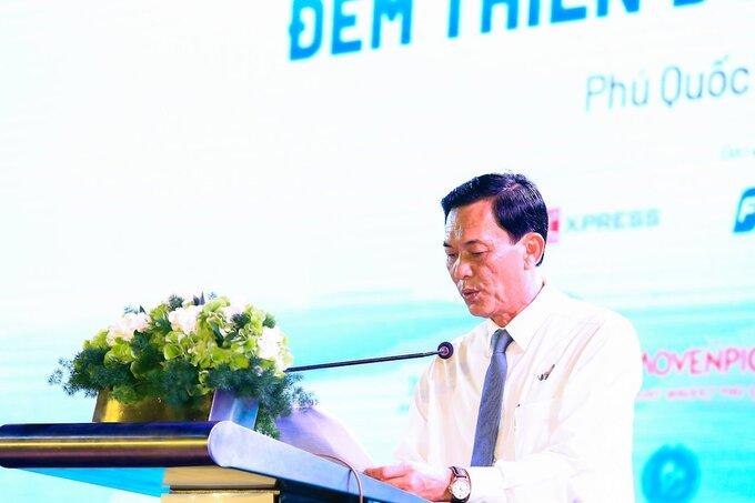 Ông Trần Trí Dũng, Giám đốc Sở Du lịch Kiên Giang chia sẻ doanh thu từ du lịch Kiên Giang năm 2020 giảm hơn 12.200 tỷ đồng.