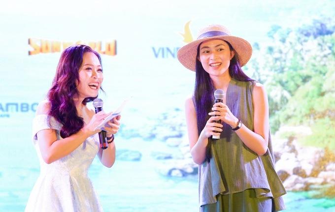 Theo travel blogger Helly Tống (bên phải) rừng nguyên sinh là vốn quý của Phú Quốc
