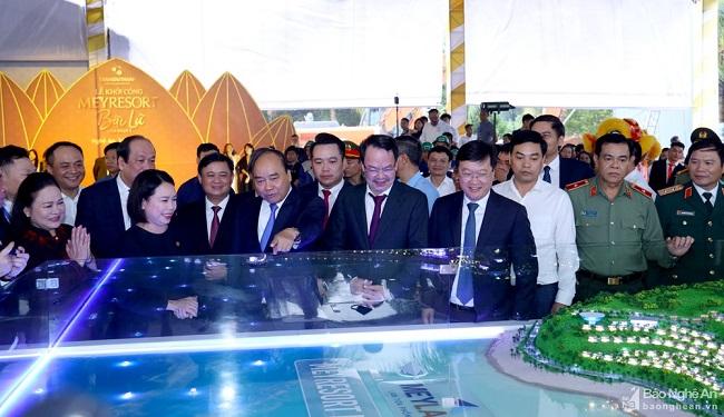 Thủ tướng Chính phủ Nguyễn Xuân Phúc tới dự và nhấn nút khởi công Meyresort Bãi Lữ (tháng 10/2020).